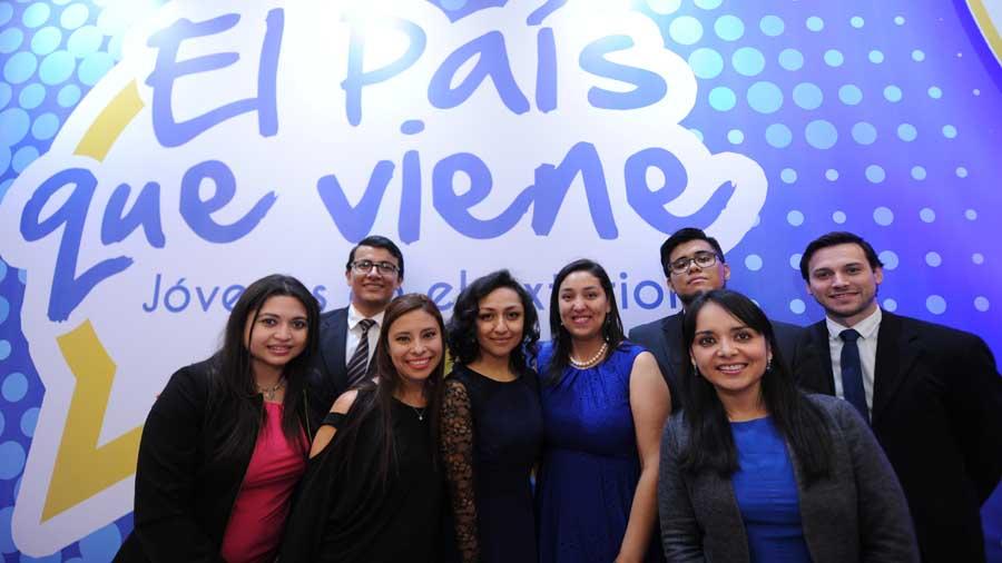 Nota El Diario de Hoy: Convocan a los jóvenes a ser autores delibro